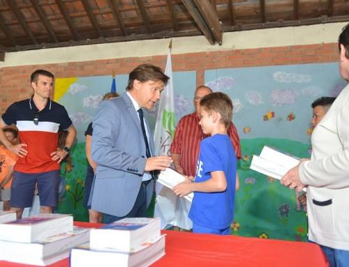 Les fêtes d'écoles et les remises de dictionnaires ont commencé